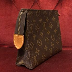 Vintage Louis Vuitton pouch 1998